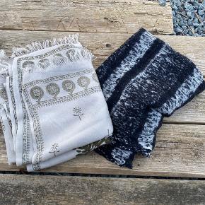 Lækre uld tørklæder. Rützou er der små huller i - 30 kr Magasin 40 kr