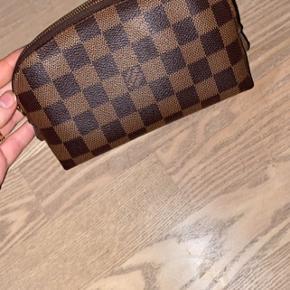 Kosmetik taske fra Louis Vuitton super pæn stand