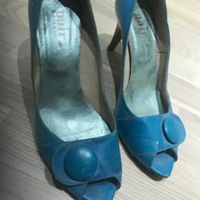 Let brugte a pair Stiletter