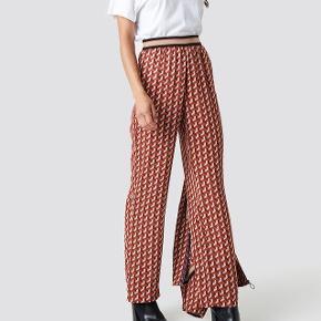 Vildt fine og lækre bukser købt på NA-KD i str.S