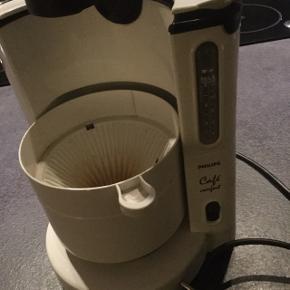 Kaffemaskine mangler kande. Derfor billig pris 😉