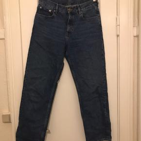 COS jeans i str. 28.  Mid rise  Straight fit Cropped lenght