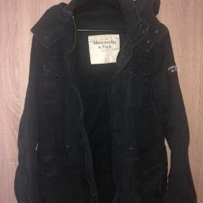 Worn Abercrombie & Fitch jacket for the fall and spring. It was my boyfriends but it can also look good on a lady. Size S and 100% cotton. In good condition and no damages.