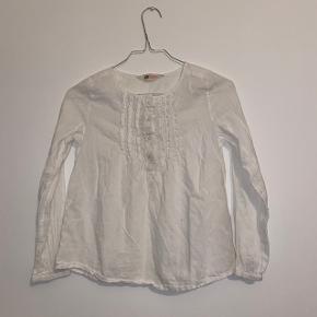 Fin hvid langærmet trøje fra HM.   Køber betaler fragt📦 Mængderabat gives🎏