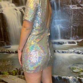 Helt ny holografisk mini kjole