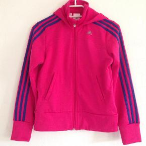 Varetype: Bluse Størrelse: 12 Farve: Pink Prisen angivet er inklusiv forsendelse.  Str.11-12