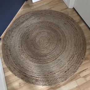 Rundt sivtæppe /jutetæppe diameter 122 cm