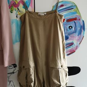 Den smukkeste Silke buksedragt