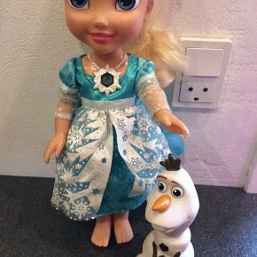 Elsa dukke der kan synge. Mangler sine sko. GMB afhentes i Hjering  sender ikke