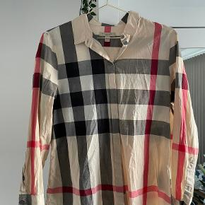 Burberry skjorte