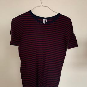 Fin t-shirt, som ny. Bare lidt krøllet 🤗
