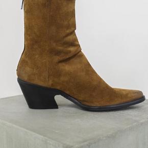 Helt nye støvler sælges