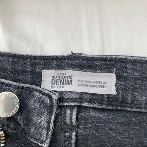 Fed denim nederdel, kun brugt få gange!