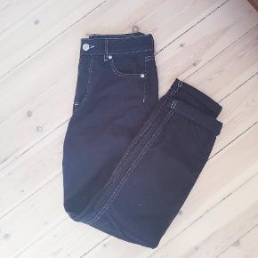 Fede baggy jeans. Brugt én gang. Np 600.