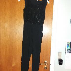 Buksedragt med paliettop. Meget elegant - alternativ til kjole.