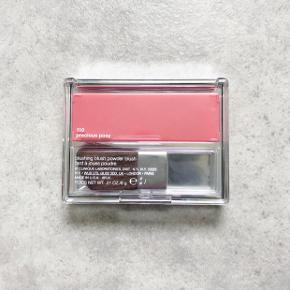 Clinique Blushing Blush Farve: Presious Posy  Fejlkøb!  Stadigvæk i emballage.