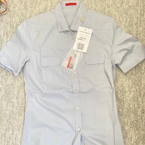Prada skjorte