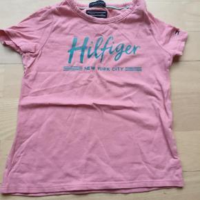 Så fin t-shirt str 80 kun været på få timer Sælges for 75 pp T-shirt Farve: Ukendt