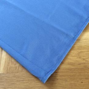 Helt ny top, som jeg bare ikke har fået i brug. Den hedder vmalisa farven hedder moonlight blue. Nypris (som jeg har givet) er 179,95. Skulder og ned 64 cm Brystvidde 53*2 cm