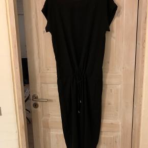 Mads Nørgaard anden kjole & nederdel