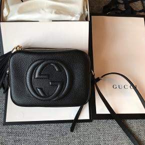 Overvejer at sælge min helt nye Gucci Soho Disco købt på Gucci's webshop i slut oktober.  Ny pris: 6.741 kr  Tasken er kun brugt sporadisk, så der er ingen tegn på brug.  Kasse, tags, pose og kvittering medfølger.  💝