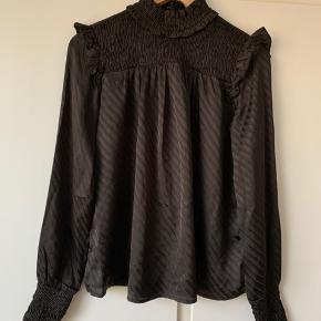 Fin bluse fra Vero Moda:)