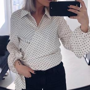 H&M trend prikket slå om skjorte Str XS - passer også str S  Fejler intet