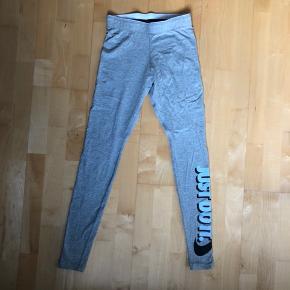 Nike sportstights købt på Zalando for 199 kr. Aldrig brugt. Prisen kan forhandles:)