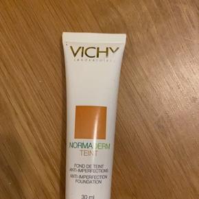 Vichy Makeup