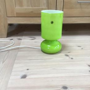 IKEA bordlampe i glas H 25 D 13 fremstår uden fejl og skår