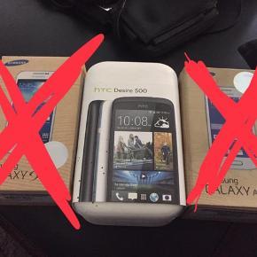 HTC desire 500, med Android styresystem.  Der medfølger: Telefon inkl. Skærmbeskyttelse Silikone cover Lader Headset Org. Kasse og manualer.  Det er en ældre smartphone. Den er i god stand, men ikke ny. Den er fuldt funktionel, batteriet virker virkelig fint - men holder naturligvis ikke helt strøm som da den var ny.  Den er inden afsendelse slettet for data, nulstillet og fabriksindstillingerne gendannet - det vil derfor føles som en ny telefon man pakker ud.  Ideel hvis den mindste skal have sin første telefon 😉  Den sælges så billigt, at prisen ikke er til forhandling.