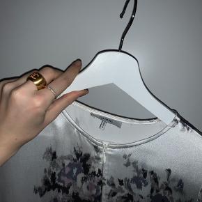 Ganni kjole til salg. Næsten aldrig brugt