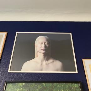 'Hannah'-fotografi på plakat af Ingi Arnason. Måler 50x70. Sælges uden ramme