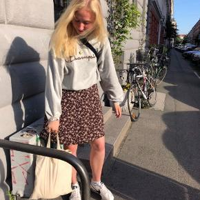 Sælger denne SKØNNE vintage nederdel, er åben for bud🌸