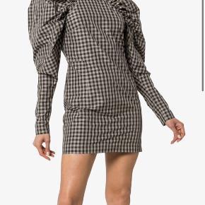 Fin kjole Fra ROTATE by Birger Christensen.  Brugt én gang😁