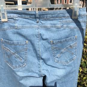 3/4 lange 2Biz bukser sælges, byd gerne