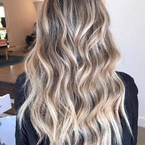 Bed head tigi wave artist. Laver fine bølger i håret som på billede 2.  Brugt to gange🥳