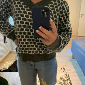 Designby Si sweater