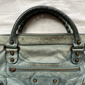 Balenciaga taske  Super eftertragtet model, virkelig nem at style og pimper enhvert outfit op