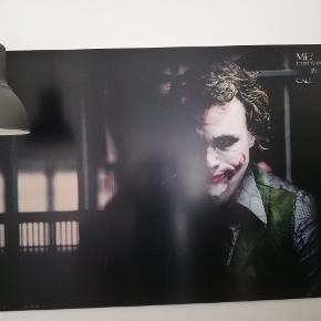 Print af Jokeren på plastik plade. H99cm B148cm Bud modtages