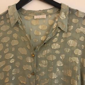 Smuk skjorte fra Stine Goya. Brugt enkelte gange.
