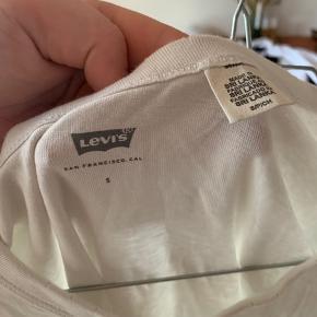 Levis t shirt Str. S   #Secondchancesummer