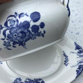 Varetype: Så flot Porcelæn suppeterrin Størrelse: Stor Farve: Blå,Hvid  Stor smuk suppeterrin uden skår. Låget har jeg ikke. Sendes helst ikke. Afhentning foretrækkes