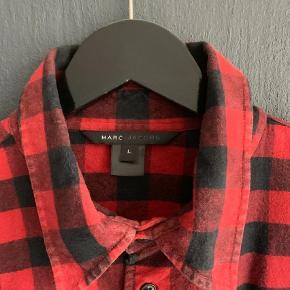 Varetype: Skjorte Farve: Rød Oprindelig købspris: 2800 kr.