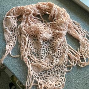 Fint strik mønster med glimmer tråde i :)