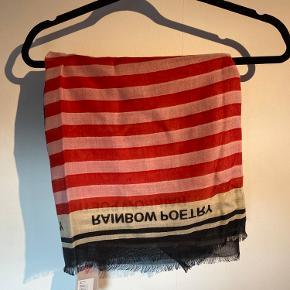 Helt ubrugt tørklæde fra Beck Søndergaard. Prismærke stadig på. Sælger pga fejlkøb