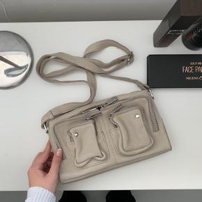 Nunoo Stine taske - aldrig brugt, super fin!