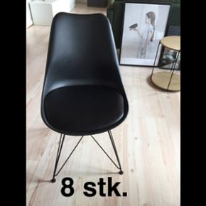 8 spisebordsstole 500 kr for alle