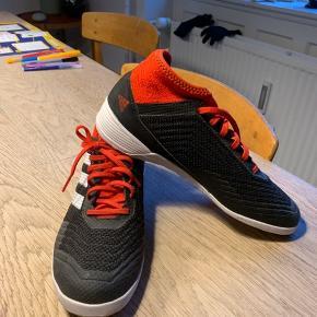 Fodboldstøvler str. 39. Gode sko til indendørs fodbold