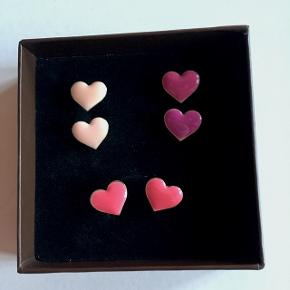 6 par øreringe (pris for dem samlet) - bud modtages gerne ✨ (Porcelænæske fra Lisbeth Dahl kan evt medfølge)